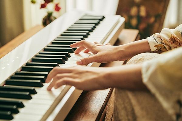 三角鋼琴細膩而富有表現力的觸感
